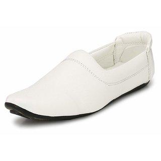 buy almighty white color casual ethnic nagra/mojaris/jutti