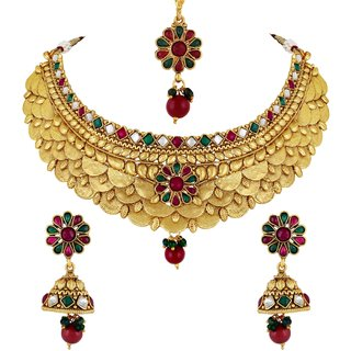 Kundan studded Gold toned Bridal Choker Necklace Set with Maang Tikka for Women