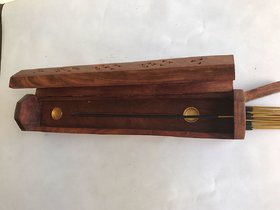 And Retails Elegant Handcrafted Sheesham Wood and Brass Agarbatti Holder (30 cm x 5 cm x 6 cm, Brown)