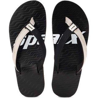 Sparx Unisex Black Flip Flops