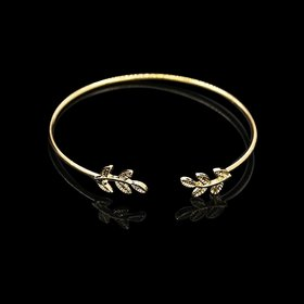 Imported Stylish Designer Flawless Bracelet In Leafs Design for Women and Girls Valentines Anniversary Ho