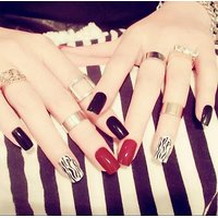 BLACK DOUBLE LINE WHITE HAND ARTIFICIAL NAILS PACK OF 1