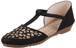 Feet First Womens Ethnic shoes