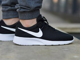Nike Men Tanjun Sports Shoes