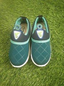 OSM ENTERPRISES  Unisex-Child Casual Shoes 3/4 year
