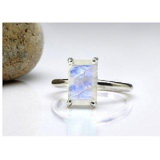 3 ratti silver Moonstone Ring for unisex by Ratan Bazaar