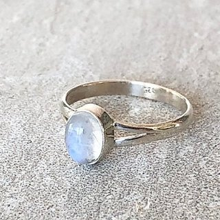 Moonstone Ring 7.25 Ratti 100% Original silverMoonstone  Stone by Ratan Bazaar