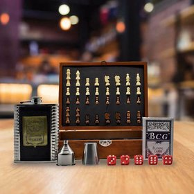 Jack Daniels Stainless Steel Hip Flask Set   1 Hip Flask  8oz , 1 Short Glass, 5 Dice, 1 Playing Car