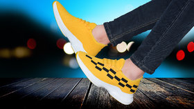 Spain Yellow casual sports shoes for men's