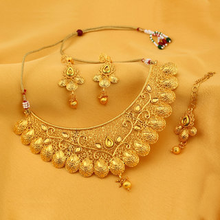 Sukkhi Traditional Alloy Gold Plated Kundan Choker Wedding Necklace Set for Women