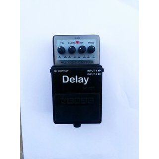 BOSS DD-3 DIGITAL DELAY ECHO PEDAL WITH 9 VOLT ADOPTER
