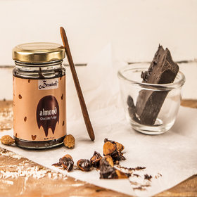 Decadenz Almond Chocolate Fudge (Jar)
