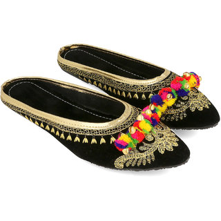 Be You Black Embroideried  Pom Pom Women's Flat Ethnic Footwear