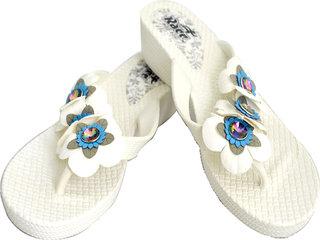 Czar Flip Flops Slipper for Women White Flower