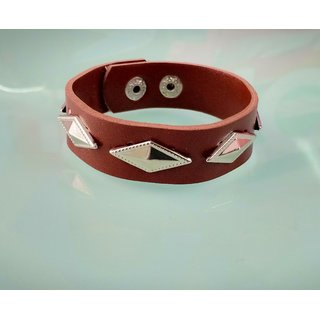 Stylish hand band