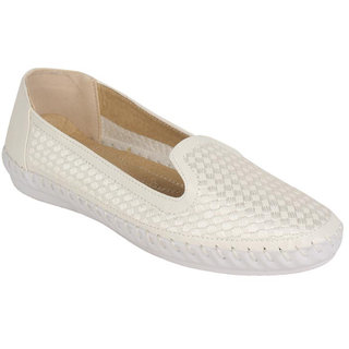 Estatos Womens White Loafers