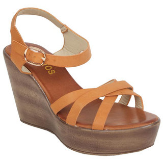 Estatos Womens Beige Wedges