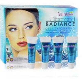 Nutriglow Dimond Radiance Deep Exfloating Facial Kit