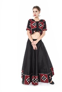 Trenditional Ikat/Sambalpuri Round Neck Short Sleeves Handloom Red Balck Lehenga For Women'S