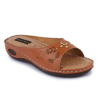 Moonwalk Women Tan Flats