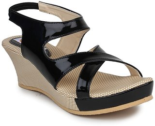 Digni Women's Black Wedges