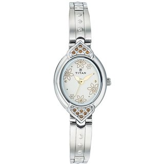 Titan Quartz White Oval Women Watch 2468SM01