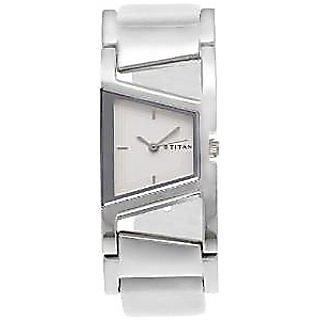 Titan Quartz Silver Dial Women Watch-2486SL02