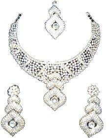 Silver Diamond set with Maangteeka