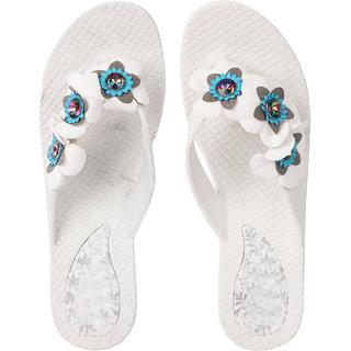 e2fcea469f98 Buy Czar Flip Flops Slipper for Women RO-07 White Online - Get 68% Off