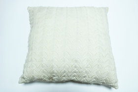 URBAN LIFE ACRYLIC KNIT WEAVE  CUSHION COVER WITH FILLER 18 X 18 (WHITE)