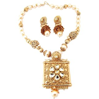 9blings Bridal Colletion Kundan Pearl Filigree Work Gold Plated Necklace Set