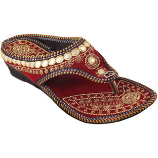 Gerief Embroidery Maroon Slipper