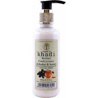 Vagad's Khadi Shikakai And Honey Conditioner