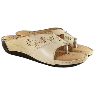 619ba77a85c5a9 Buy Blinder Women s Cream Doctor Comfortable Slipper Online   ₹499 ...