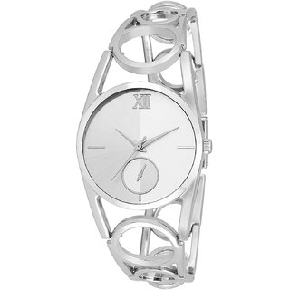 R P S fashion new looked to silver and silver staylish girl  watch 6 month warranty