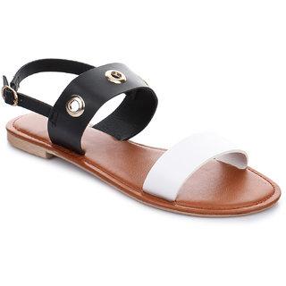 8f552f75848 Buy Naisha Women s Black Flats Online - Get 30% Off