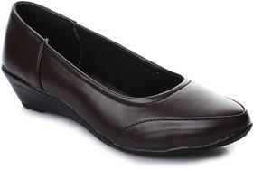 Naisha Women's Brown Foramal Shoe