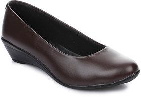 Ikrah Women's Brown Formal Shoe