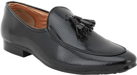 Voila Men Glossy Black Leather Shiny Patent Formal Shoe - 140524813