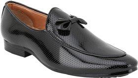 Voila Men Glossy Black Leather Shiny Patent Formal Shoe - 140524901
