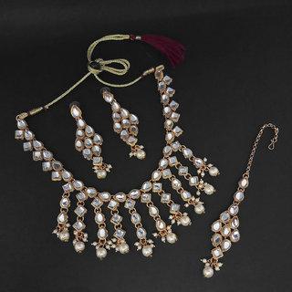 JewelMaze Gold Plated White Kundan Necklace Set With Maang Tikka-1107981