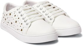 Trendy Look White Sneakers