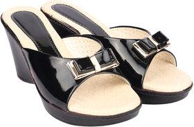 Do Bhai Women's Black Slippers - 140781116