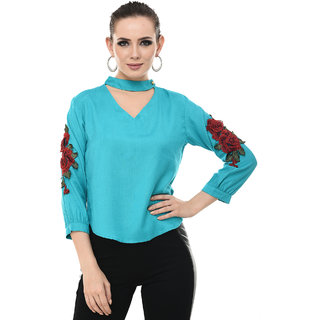BuyNewTrend Women's Sky Blue Rayon V-Neck Floral Top