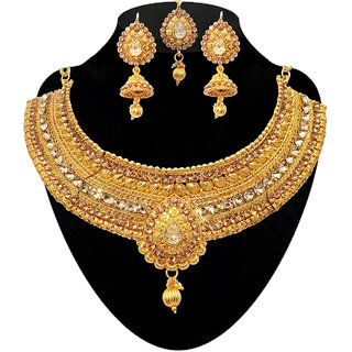 JewelMaze Stone Choker Necklace Set With Maang Tikka-1107902B