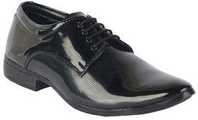 Port Men's Black Synthetic Derby Formal Shoes
