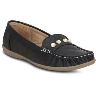 3de1ae860b2b Buy Kielz-Black-Slip-On-Women s-Loafers Online - Get 48% Off
