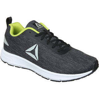 0d8c41f97e270 Buy Reebok Men s Distance Strike Multicolor Sports Shoe Online - Get 27% Off