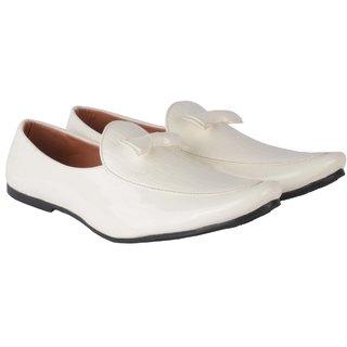 Evolite Men's White Loafers