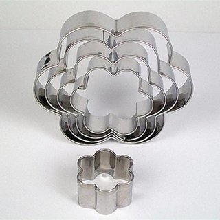 Stainless Steel Flower Shaped Cookie cutter- 5 Pcs (5 Different Sizes) Sold By evershine Gifts And Household